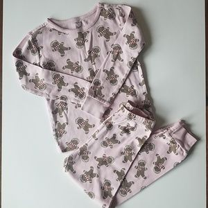 Holiday gymboree gingerbread pjs size 5